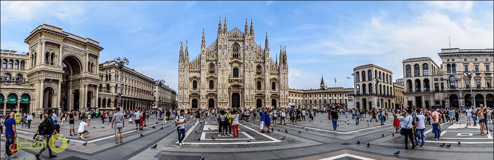 ساحة الدومو في ميلانو