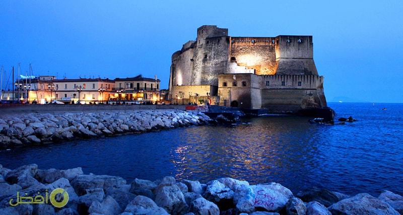 قلعة ديلوفو أحد أفضل المدن السياحية في إيطاليا