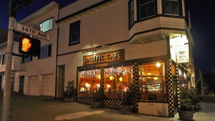 مقهى الباسفيك Pacific Cafe