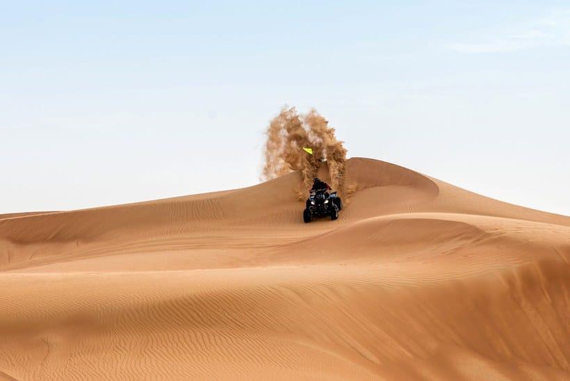 سفاري الكثبان الرملية مع العشاء بواسطة Arabian Adventures