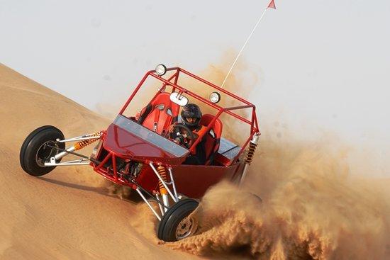 الركوب على الكثبان الرملية بواسطة Dream Explorer  دبي