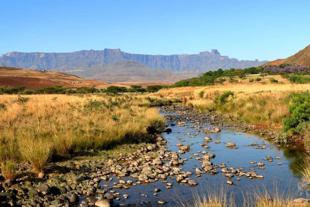 افضل اماكن الهايكنق في العالم نورث دراكنزبرج ترافيرس North Drakensberg Traverse
