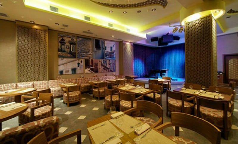 مطعم وصالة Avaz