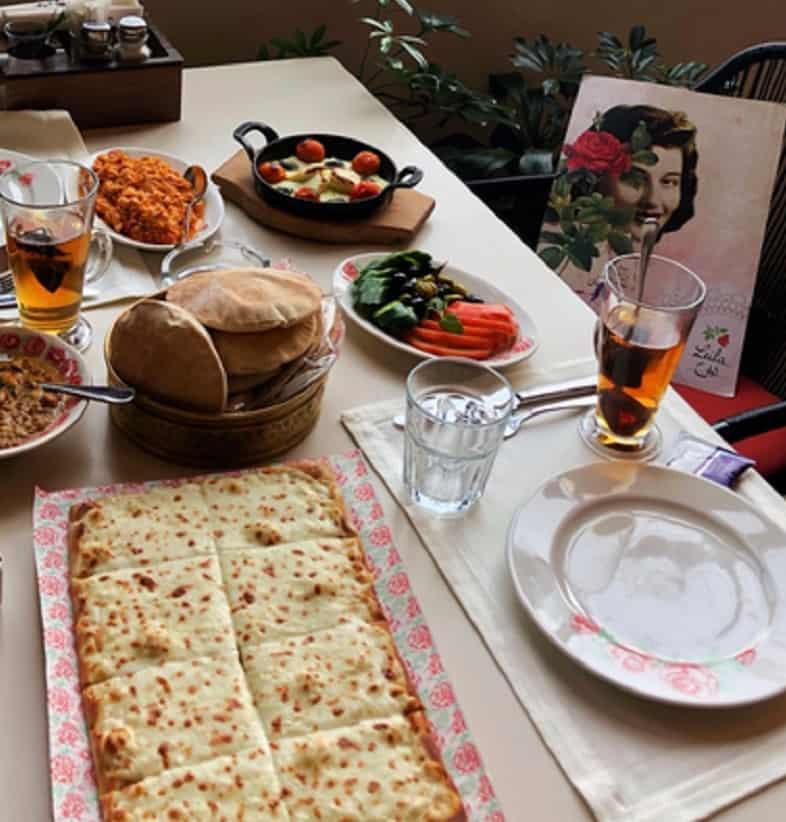 مطعم ليلى من لبنان فطور في الرياض