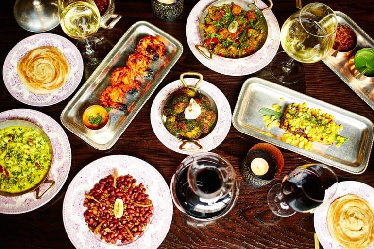 مطعم Gymkhana وهو مطعم هندي في لندن للرومانسيين