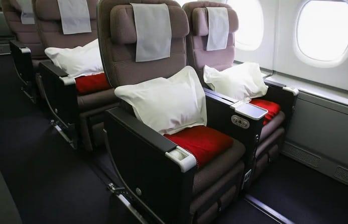 ترتيب مقاعد الطائرة بالحروف أديل - افضل مقاعد الطائرة