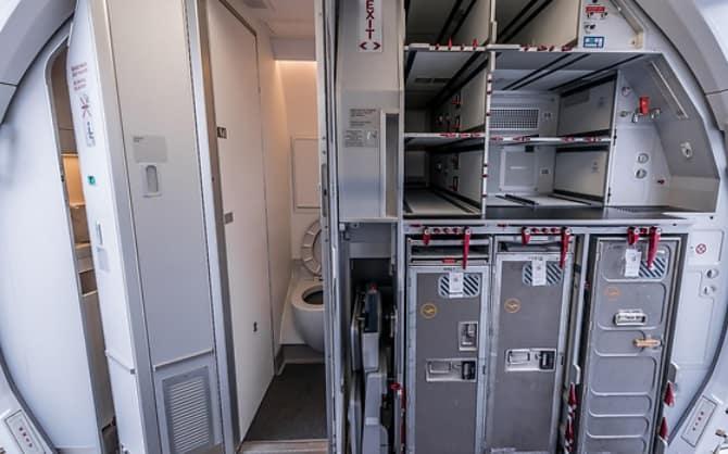 أرقام مقاعد الطائرة من الداخل