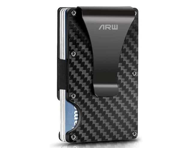 تعتبر افضل محفظة لحماية البطاقات البنكية والائتمانية من السرقة محفظة آرو المصنوعة من ألياف الكربون للرجال Carbon Fiber