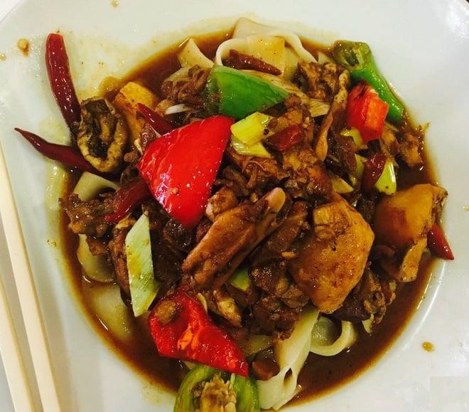 مطعم Tengri Tagh Uyghur