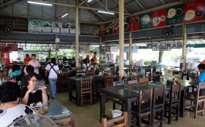 مطعم  Yusup Pochana