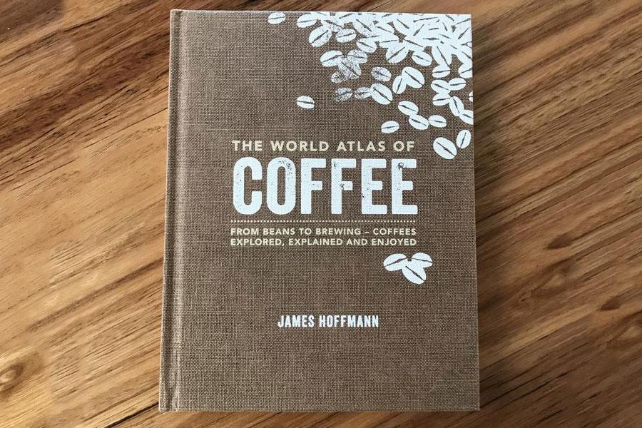 كتاب World Atlas of Coffee  دليل أطلس للقهوة أفضل الكتب عن القهوة وفنون القهوة لمحبين القهوة