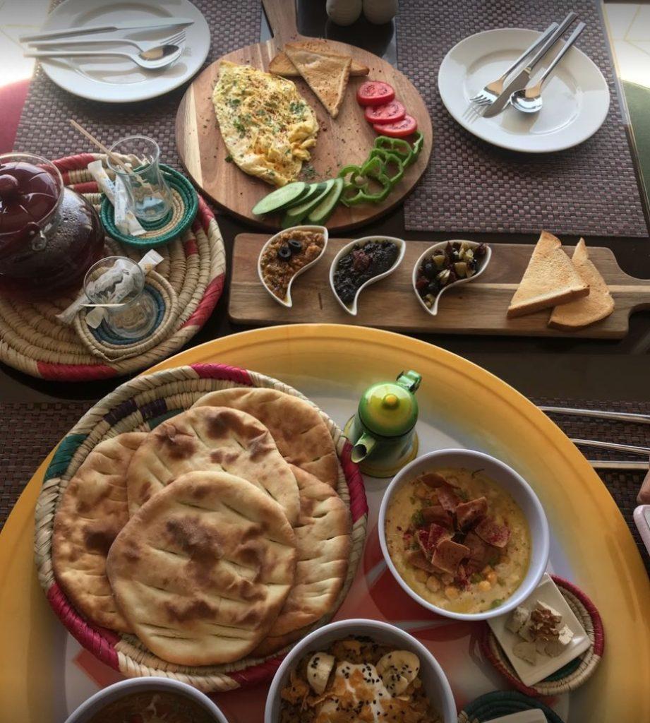 مطعم قوزيل سراي المأكولات التركية ينبع