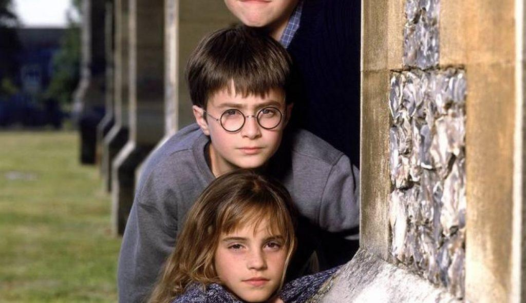 هاري بوتر وحجر الفلاسفة (2001) من  افضل افلام عائلية